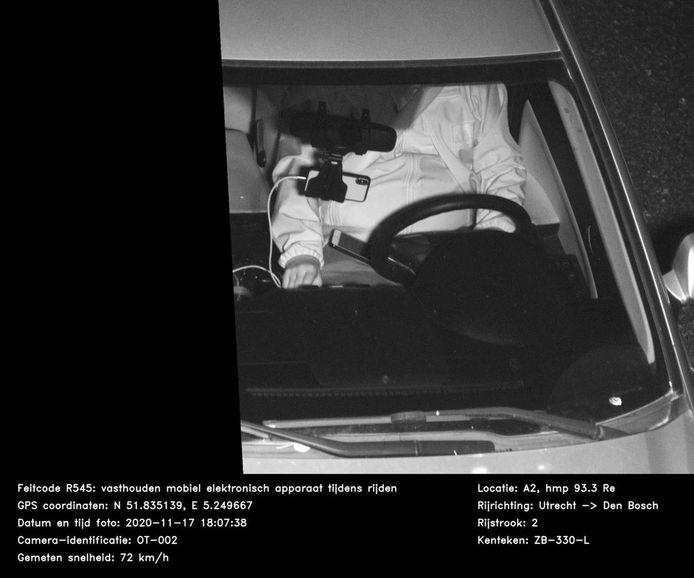 Marco Spelten uit Dronten kreeg een boete voor in hand houden mobiel tijdens rijden. Ten onrechte, vindt hij.