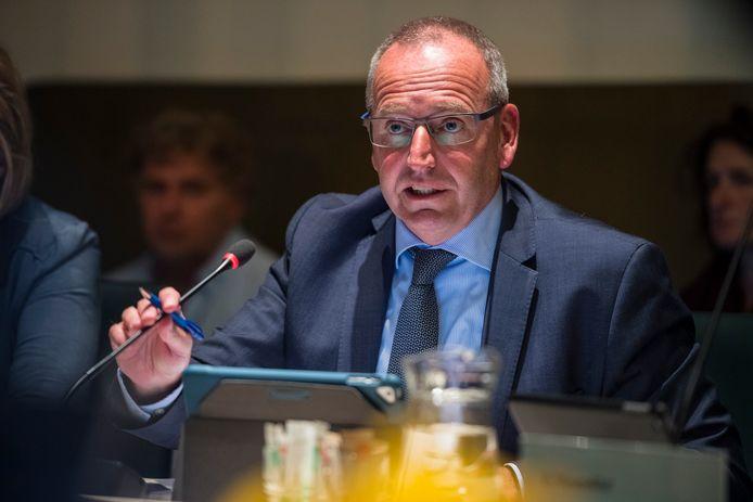 Wethouder Pieter de Kruif onderneemt actie om onverwachte vaste lasten te voorkomen.