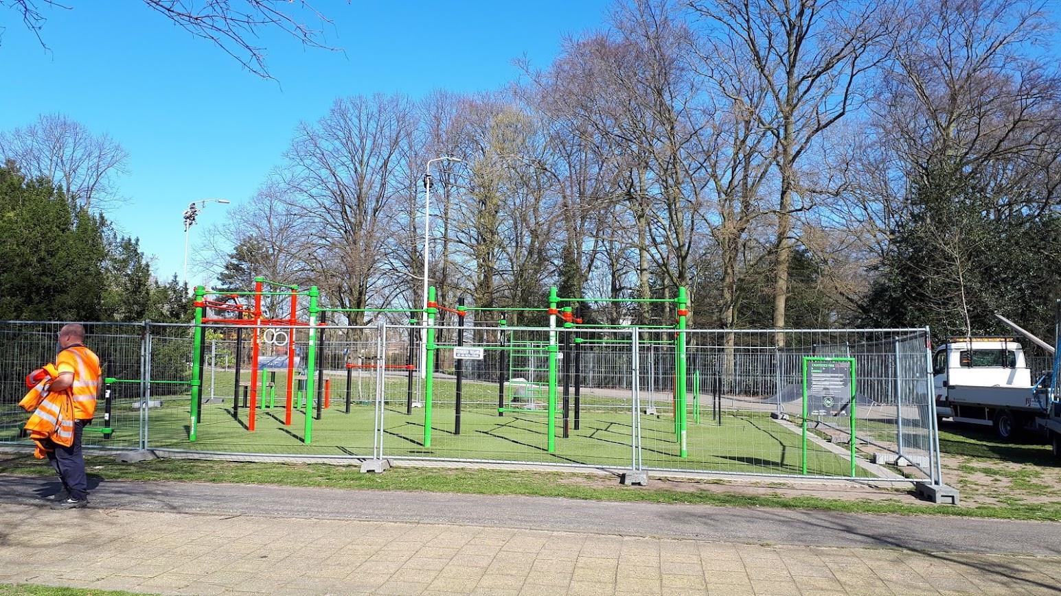 In het voorjaar werd het buitensportplein in het Goffertpark afgesloten, omdat het er te druk was.