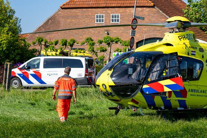 Man zwaargewond na val van dak (foto: MaRicMedia)