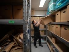 Politie ruimt 12 containers vol bewijsmateriaal op: 'Waarom zijn sommige dingen in godsnaam bewaard?'