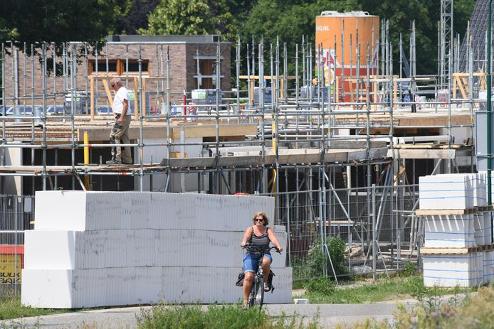 Bouwen aan de maasboulevard bij Cuijk, archieffoto ter illustratie.