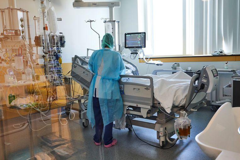 De intensieve zorg in het Delta Chirec ziekenhuis, waar patiënten met coronavirus worden behandeld. Ter illustratie.