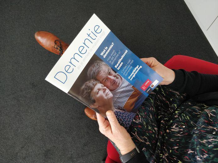 De brochure over dementie moet een antwoord bieden op heel wat vragen.