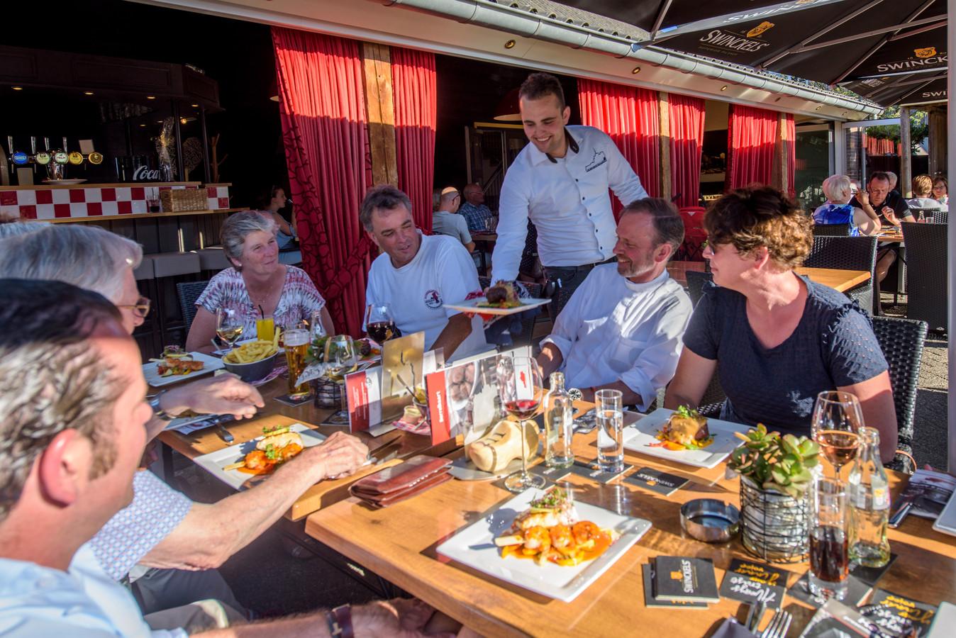 Het terras van restaurant de Brabantse Kluis.