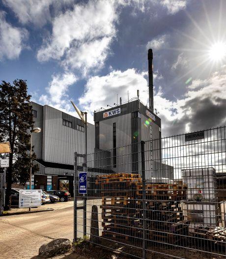 Eindhovense asfaltfabriek stoot te veel gevaarlijk benzeen uit, gemeente legt dwangsom op en dreigt met productiestop
