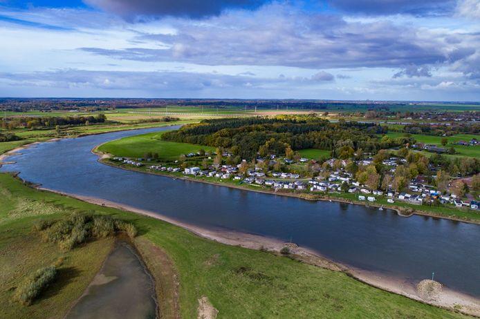 Camping 't Haasje, langs de IJssel tussen Olst en Fortmond.