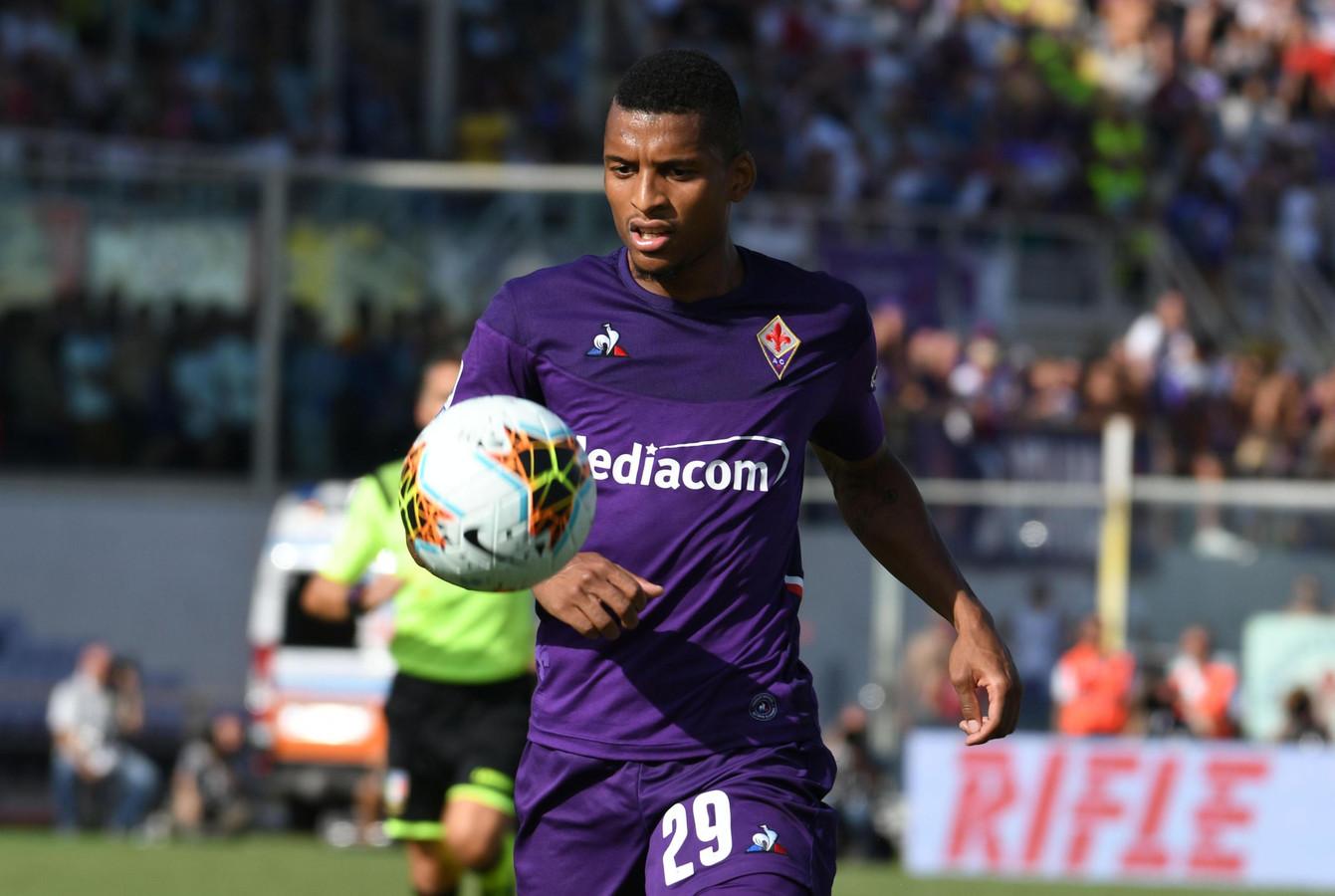 De Braziliaanse middenvelder Dalbert van Fiorentina was vanmiddag het slachtoffer van racisme.