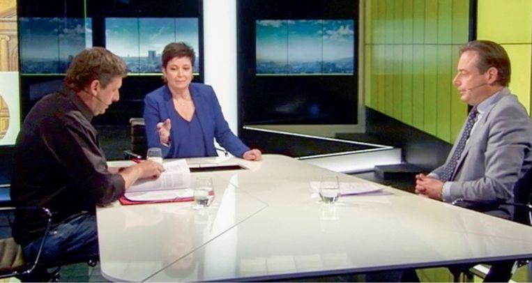 Het debat tussen John Crombez en Bart De Wever in 'Terzake': Dave Sinardet: 'Een beslissend moment in de campagne. Voor het eerst is gebleken dat De Wever niet onfeilbaar is in debatten.' Beeld