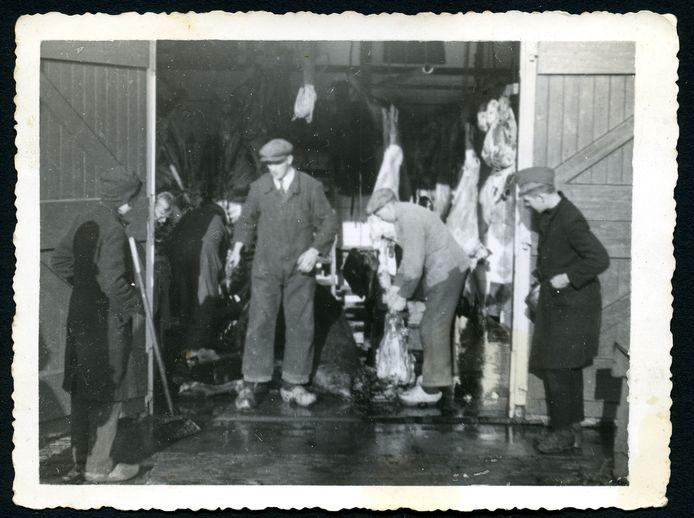 Bij noodslagerij Westgeest aan de Voorweg was nog wel eens extra vlees te halen.