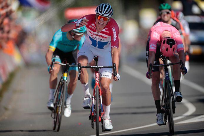 Matthieu van der Poel wint de laatste editie van de Amstel Gold Race.