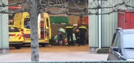 Man zwaargewond naar ziekenhuis na bedrijfsongeval in Laag-Soeren