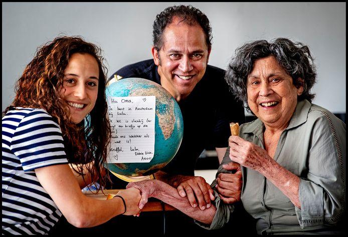 Edith Rodrigues (77) met haar zoon Bruce en kleindochter Lulu.