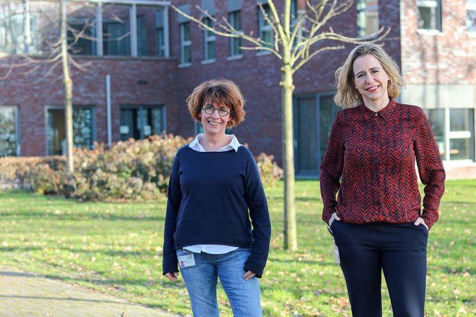 Marianne van Dam (links) en Diane Brons begeleiden kankerpatiënten in het Meander Medisch Centrum naar ondersteunende zorg.