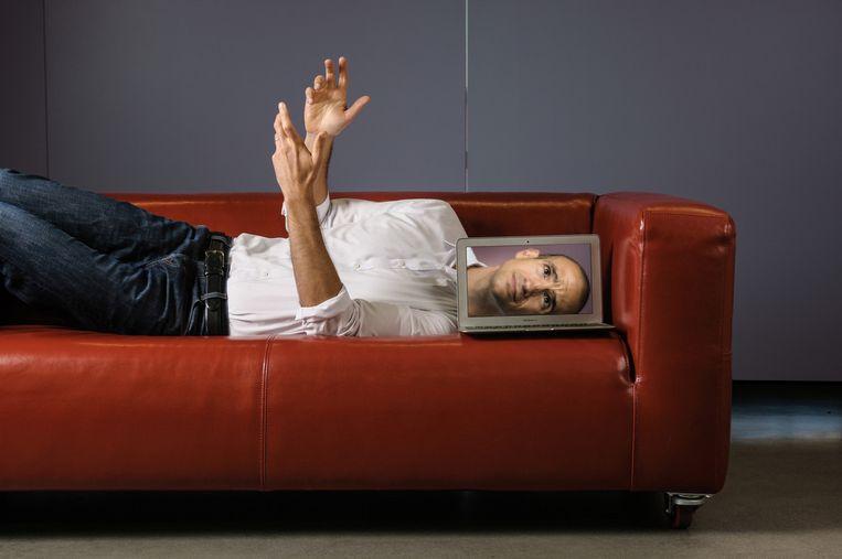 Nir Eyal: 'Het eerste wat je je moet afvragen, is welke interne prikkel er achter je gedrag zit. Welk ongemak probeert je brein te ontvluchten?' Beeld Jay Watson