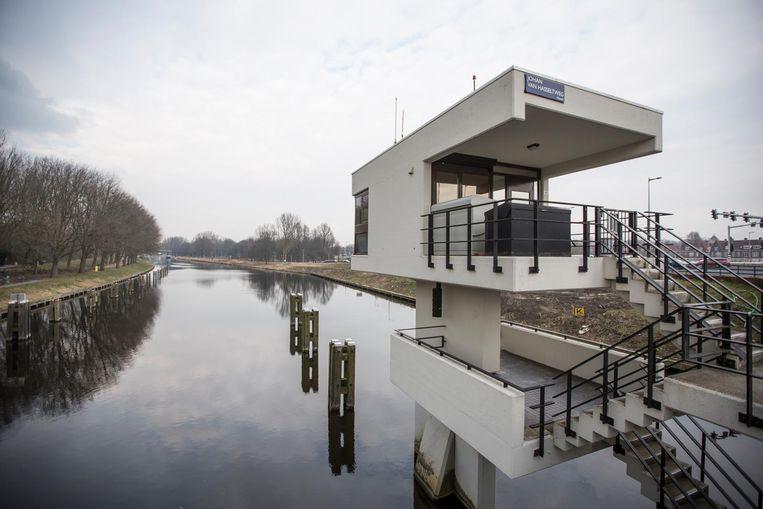 Meeuwenpleinbrug, Johan van Hasselteweg - Noordhollandsch Kanaal. Vanaf €160 per nacht Beeld Eva Plevier