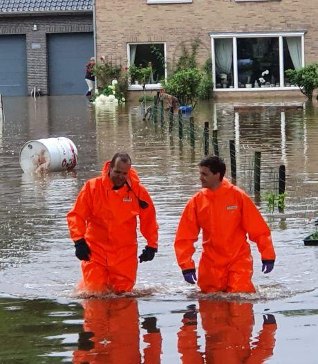 Brandweerman Bart uit Nijkerk helpt bij evacuaties in Limburg: 'Een vrouw die we moesten redden was haar man verloren'