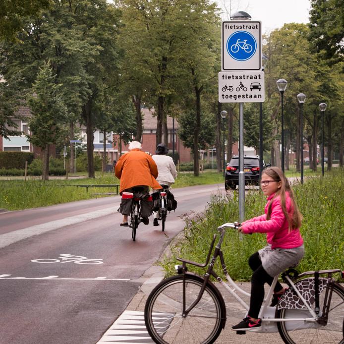 De Heusdenhoutsestraat is een straat voor fietsers geworden. De auto's moeten zich aanpassen.