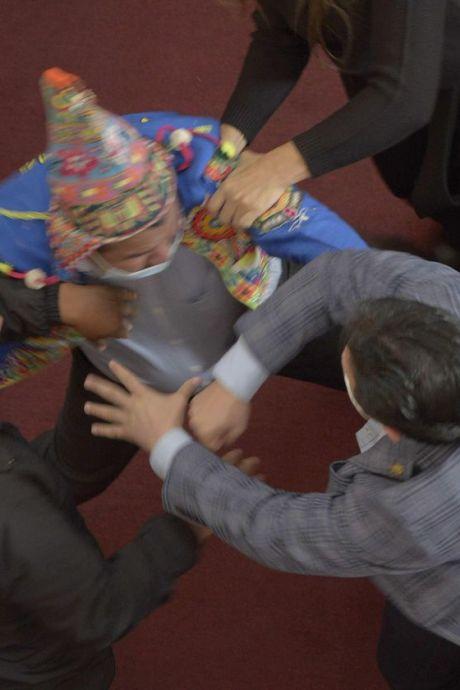 Violente bagarre entre des parlementaires au Congrès