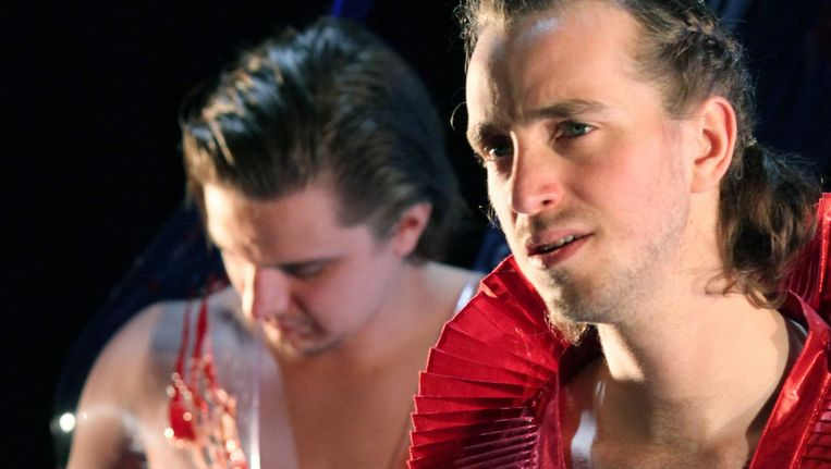 Abe Dijkman (Romeo, rechts), Bart van den Donker (Benvolio). Beeld Sanne Peper