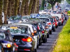 Lekker druk in Dordt: stapvoets de stad door om afsluiting N3