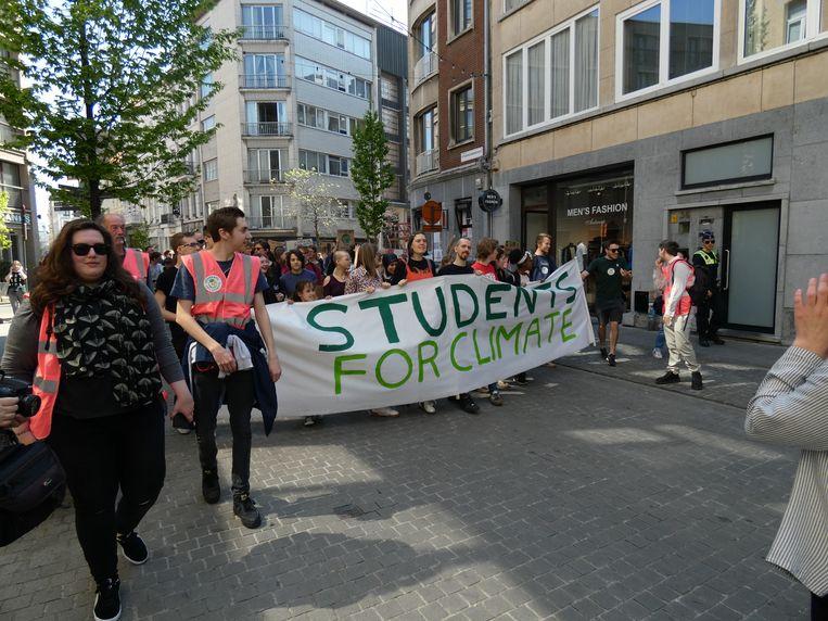150 actievoerders trokken door de Antwerpse binnenstad.
