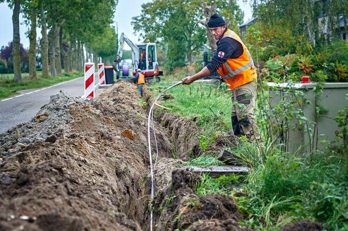 Aanleg glasvezel aan de Rietkampstraat te Herpen. Fotograaf: Van Assendelft/Jeroen Appels