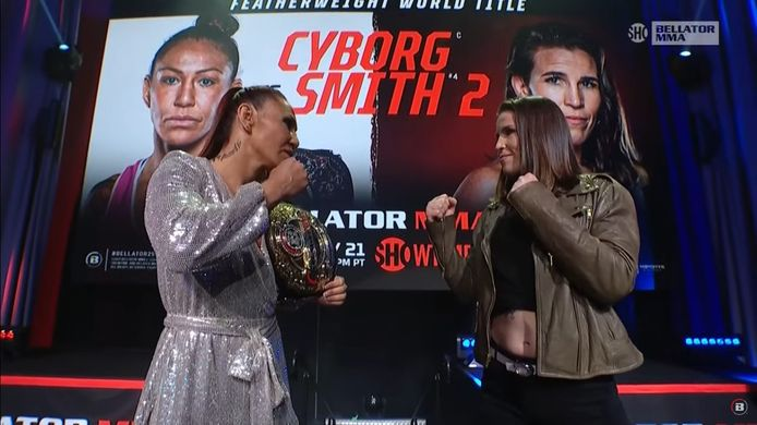 "Cristiane ""Cyborg' Justino (links) met Leslie Smith (rechts)"