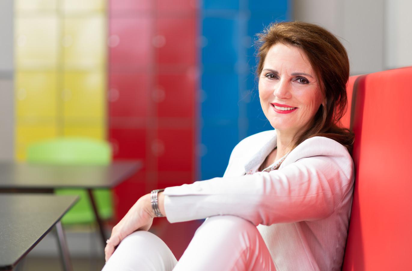 Anita Karremans van netwerkorganisatie Samen in de Regio, met 165 bedrijven, scholen en organisatie uit de gemeenten Bergen op Zoom, Woensdrecht en Steenbergen als partner.