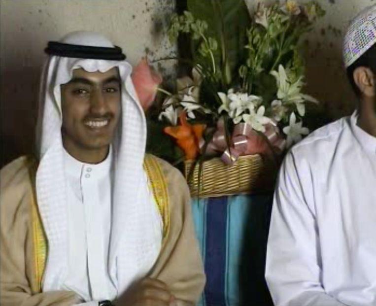 Tussen de vele video's bevinden zich ook beelden van een volwassen Hamza bin Laden, de nu 28-jarige zoon van de Al Qaida-leider die wordt genoemd als een mogelijke opvolger. Beeld BELGA