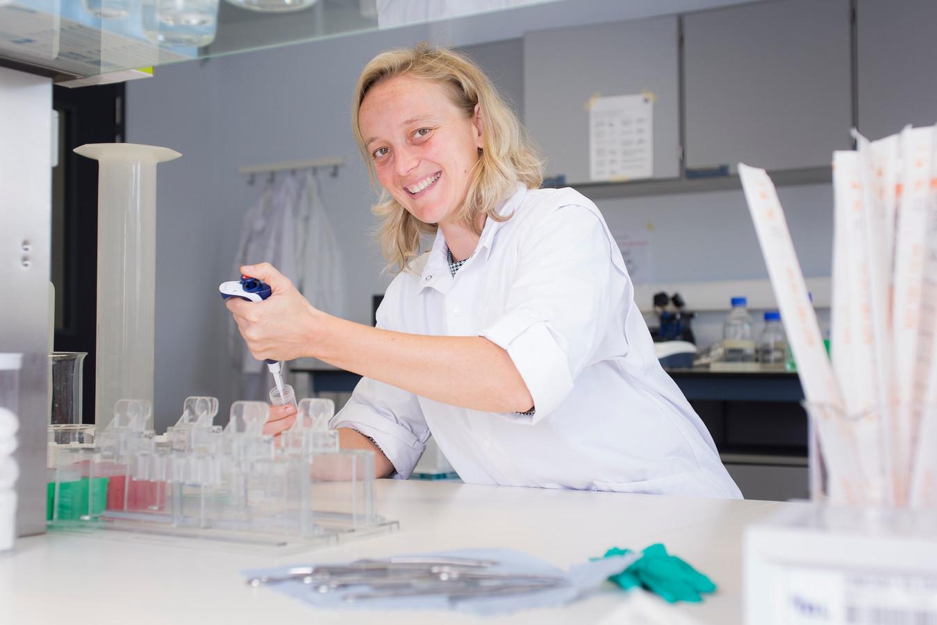 Professor Evelien Smits.