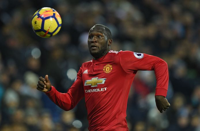 Manchester United's Belgian striker Romelu Lukaku chases the ball during the English Premier League football match between West Bromwich Albion and Manchester United at The Hawthorns stadium in West Bromwich, central England, on December 17, 2017.  / AFP PHOTO / Oli SCARFF / RESTRICTED TO EDITORIAL USE. No use with unauthorized audio, video, data, fixture lists, club/league logos or 'live' services. Online in-match use limited to 75 images, no video emulation. No use in betting, games or single club/league/player publications.  /