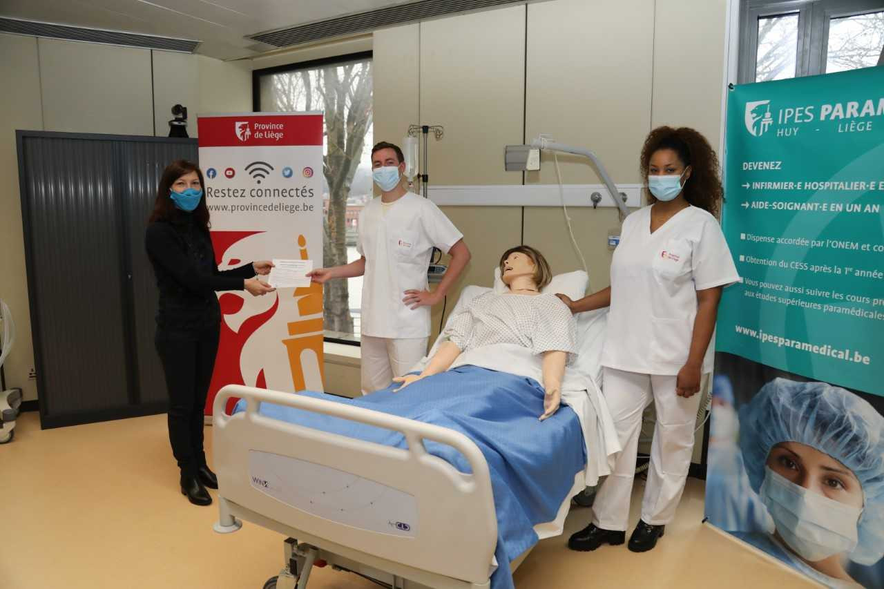 78 nouveaux infirmiers à Liège, Huy et Verviers.