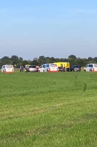 Vliegtuigje crasht in weide aan vliegveld Kiewit, piloot (59) overleden