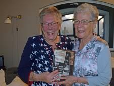 70 jaar na tramongeluk zijn Jeany (80) en Adrie (87) vriendinnen