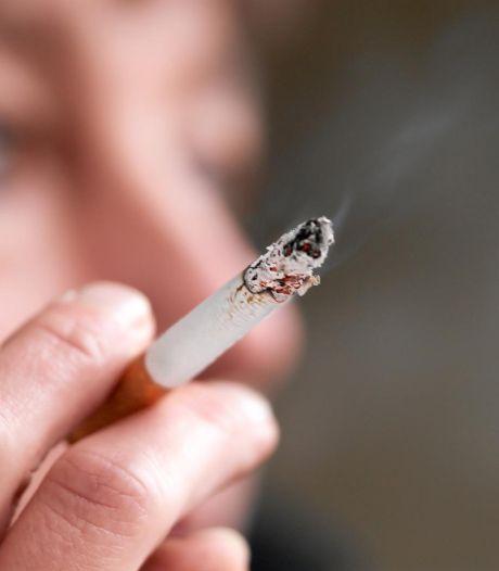 """""""Plus que jamais, nous recommandons aux fumeurs d'arrêter de fumer"""""""