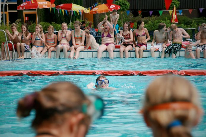 Zwembad In De Dennen in Vorden enkele jaren geleden.