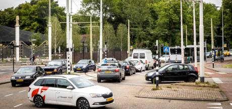 Bewoners willen minder auto's in heel Rotterdam: 'Weer doorgaand verkeer al aan rand van stad'