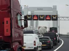 'Fyra-brug' dwingt gevaarlijke stoffen tussen strandverkeer