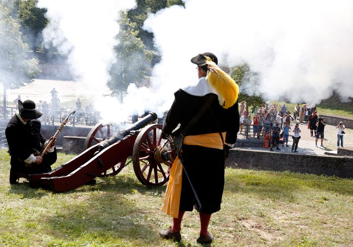 Tijdens de Vestingdagen werden op de Keldermanspoort veldslagen nagespeeld.