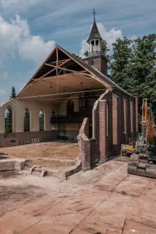 Leo Roeterink uit Breedenbroek maakt het onmogelijke waar: kerk wordt ruïne met glazen doos
