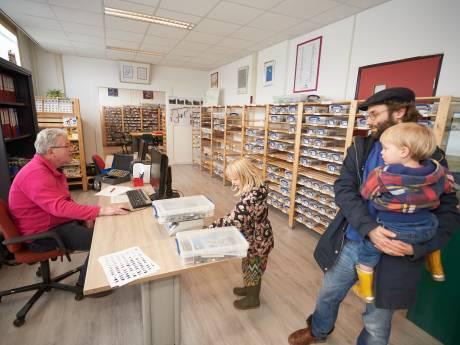 Legotheek in Eefde heeft het razend druk: elk kwartier een klant, op telefonische afspraak