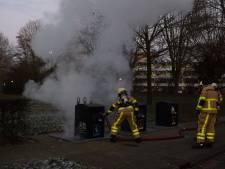 Papiercontainer in brand: veel rook, zo geblust
