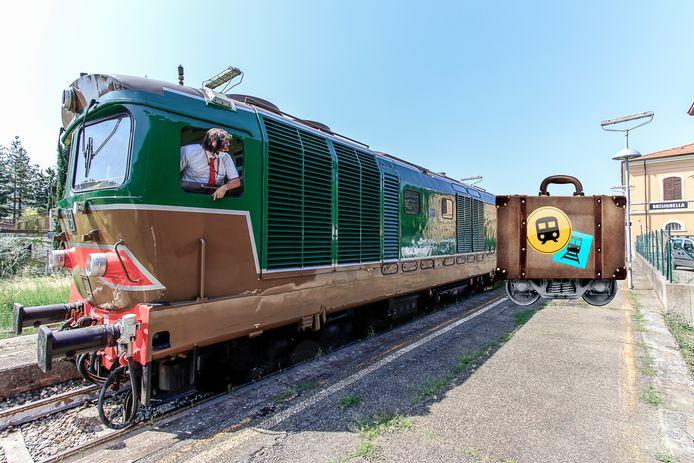 De bijna vijftig jaar oude locomotief op het station van Brisighella
