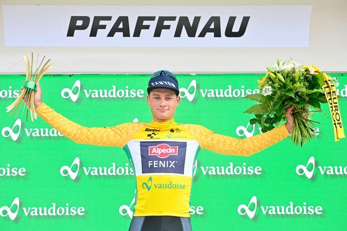 Mathieu van der Poel is de nieuwe leider in de Ronde van Zwitserland.