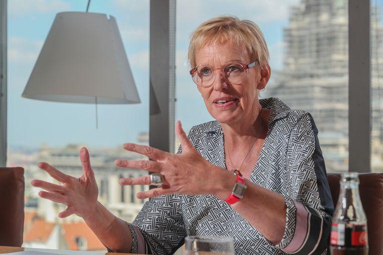 Minister van Pensioenen Karine Lalieux. Beeld