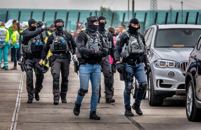 'Het is DSI gelukt om 'een x-aantal terroristen te neutraliseren'', zegt een politiewoordvoerder die zelf niet deelneemt aan de oefening. Beeld Raymon Rutting / de Volkskrant