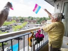 Hengelose ouderen werken zich in het zweet op eigen balkon: 'Ik kan het goed volhouden'