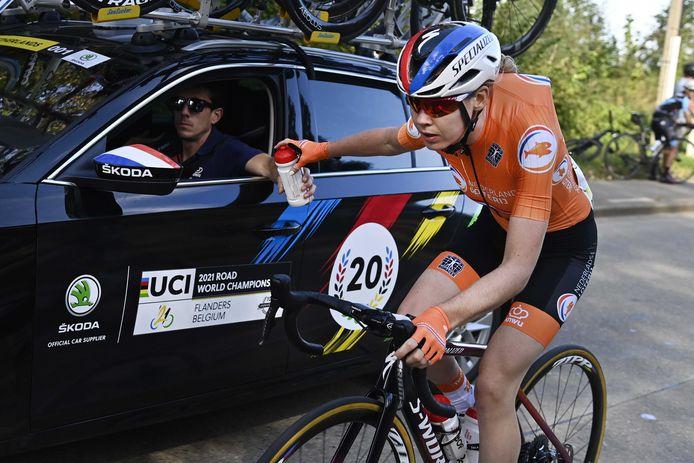 Anna van der Breggen tijdens de wegrit op het WK.