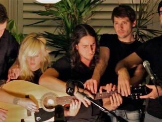 Unieke Gotye-cover: vijf Canadezen spelen samen één gitaar